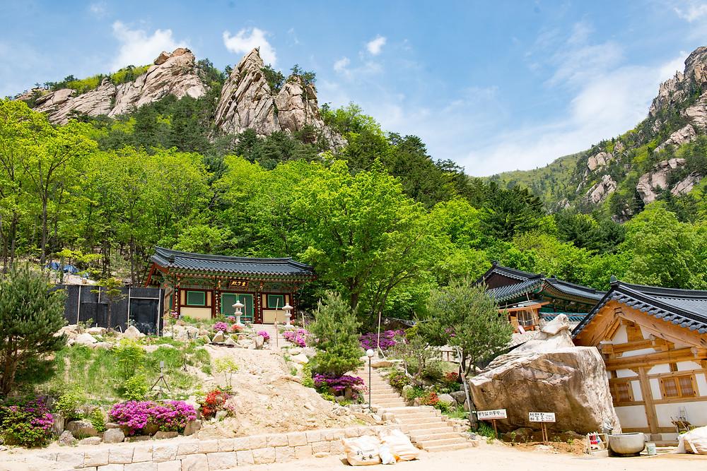 A mountain temple in Seoroksan national park