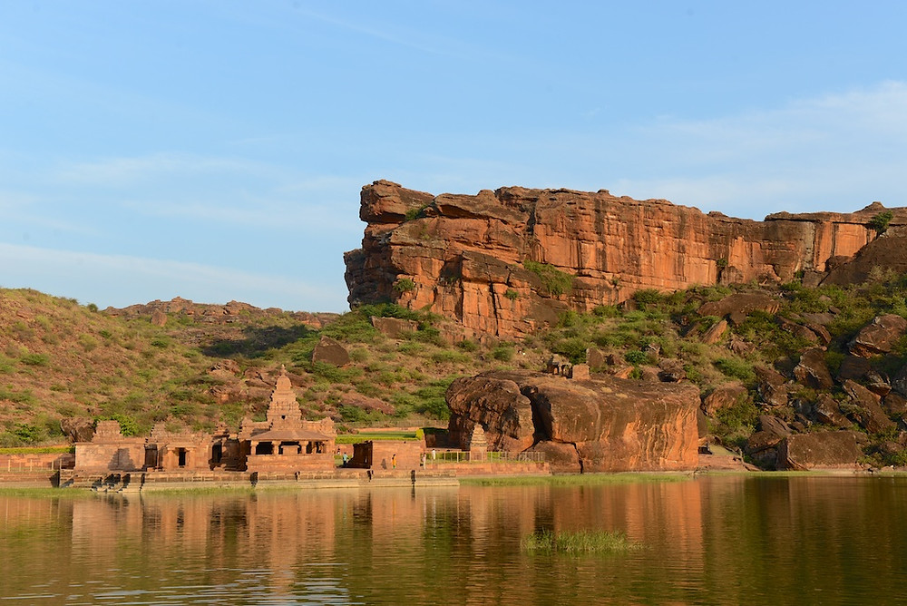 Temples and rocks in Badami
