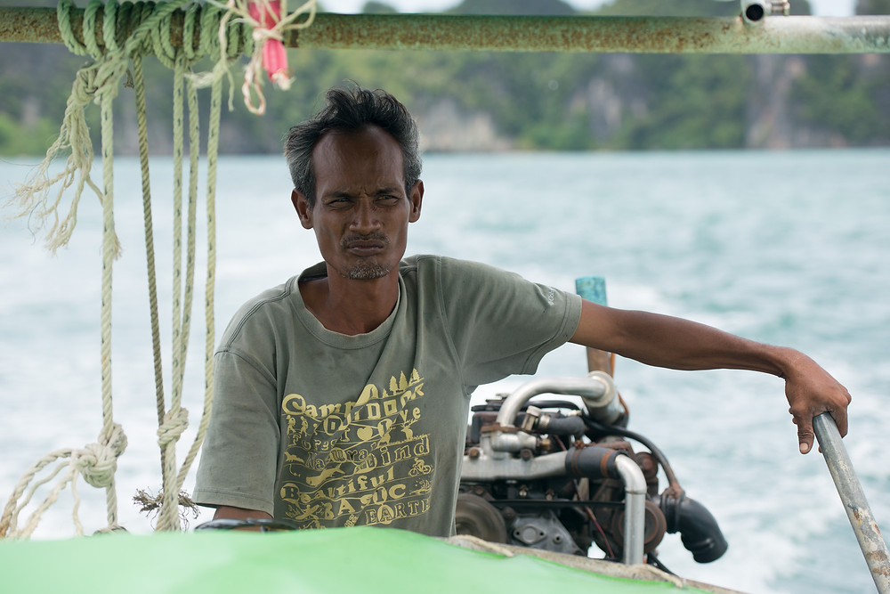 Another boat man, not smiling ;-)