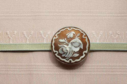 クリスマスローズの帯留め(直径4cm)