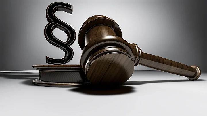 judgment-3667391_960_720.webp