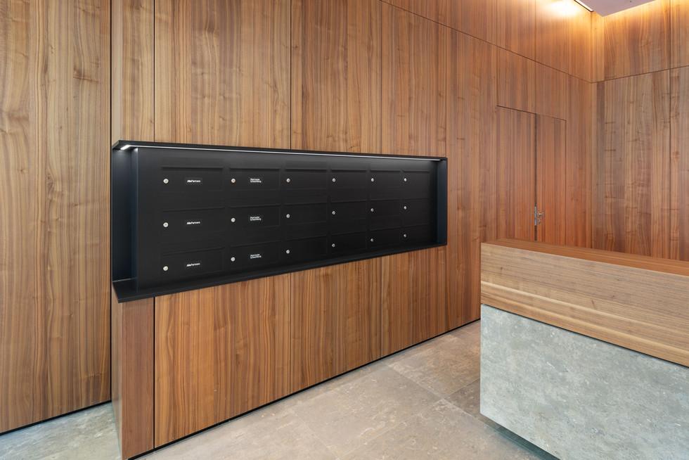 Architekturfotografie |  Briefkastenanlage Düsseldorf für Industriekunde (Berlin)