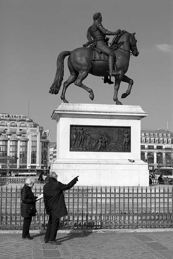 7. Statue équestre d'Henri IV réalisé par François-Frédéric Lemot.