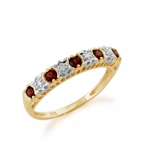 9kt Yellow Gold Garnet and Diamond Ring