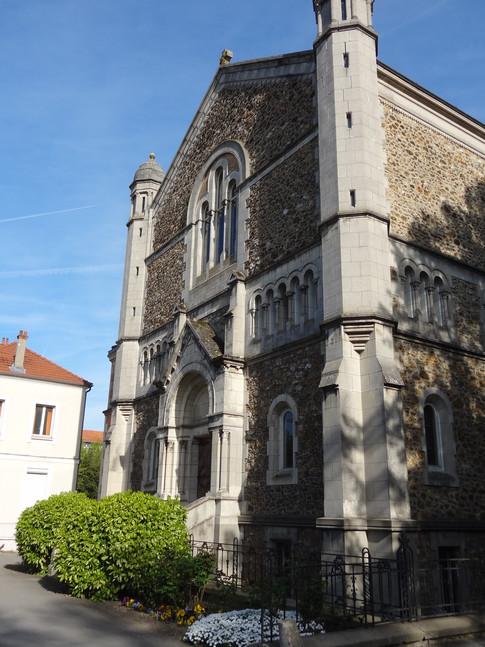 La grande chapelle de la communauté, d'une capacité de 200 à 400 personnes, utilisée pour les grands événements (fête de jubilé, premiers voeux...)