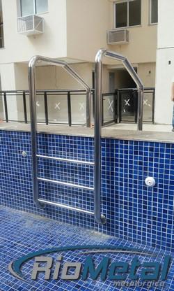 Escada de piscina - aço inox