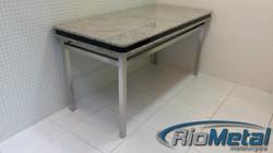 Mesa de aço inox escovado