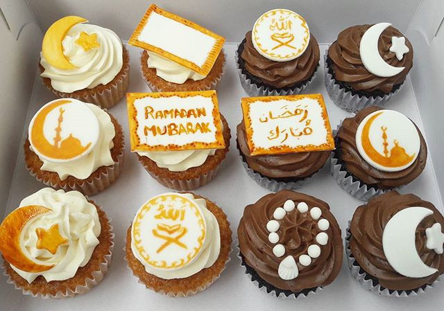 Ramadan Mubarak Cupcakes by The Hayati Bakery