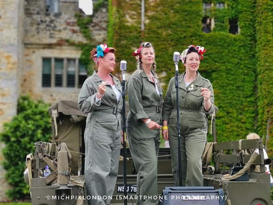 The Fifinellas at Hever Castle