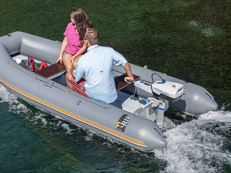 Motors for Inflatable Boats: Top 3 Best Outboards (Electric & Gas Compared)