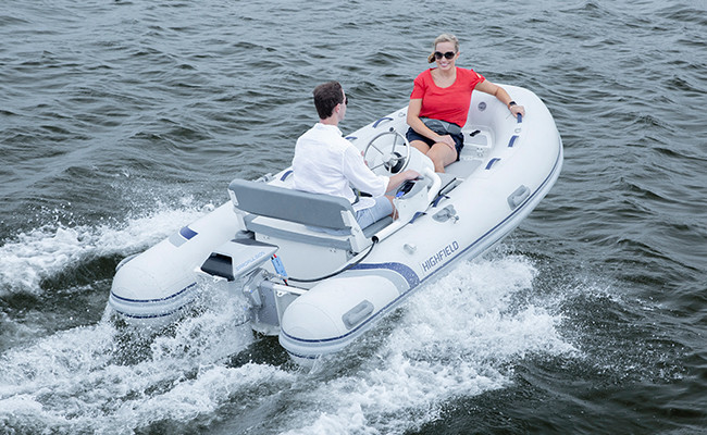 Electric Outboard Motor in Water