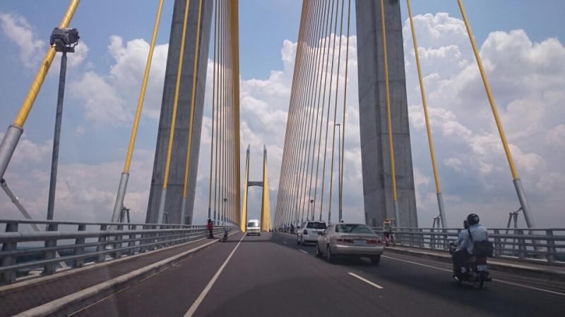 日本の支援でつくられたつばさ橋