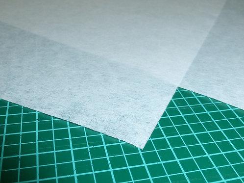 Stickvlies zum reissen weiß von Madeira 50 Stück Zuschnitte 20x20 cm