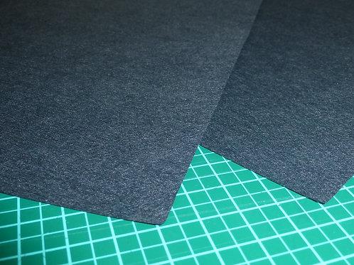 Stickvlies zum reissen schwarz von Madeira 50 Stück Zuschnitte 20x20 cm