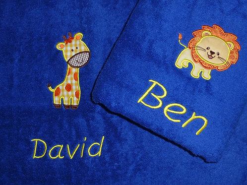 Handtuch VOSSEN blau mit Motiv und Namen bestickt