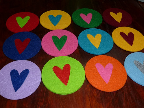 Filzuntersetzer rund glatter Rand 9 cm mit Herz Farben wählbar