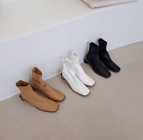 [3色] S1437 Triangle Heels滑面靴