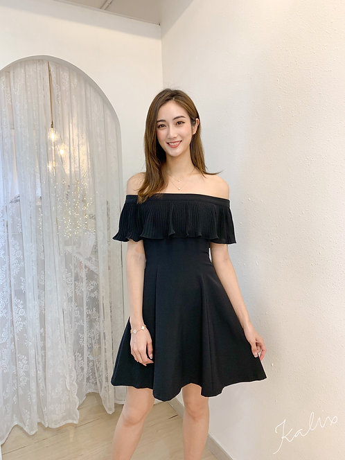 D1925 [2色] Rruffle Off-shoulder Lady dress