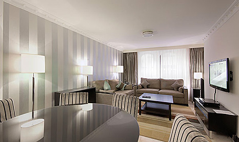 Mayfair House Serviced Apartments London - Modern 3 Bedrom.jpg