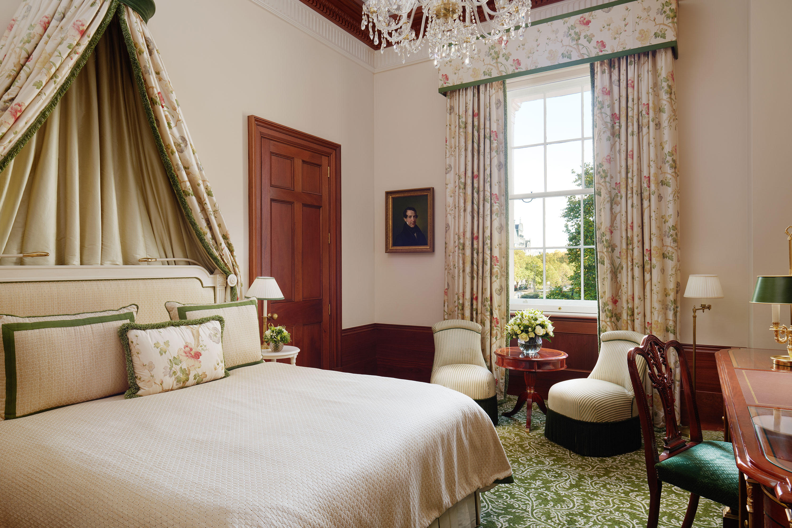 The-Lanesborough-London-Executive-Room-Bluebird-1