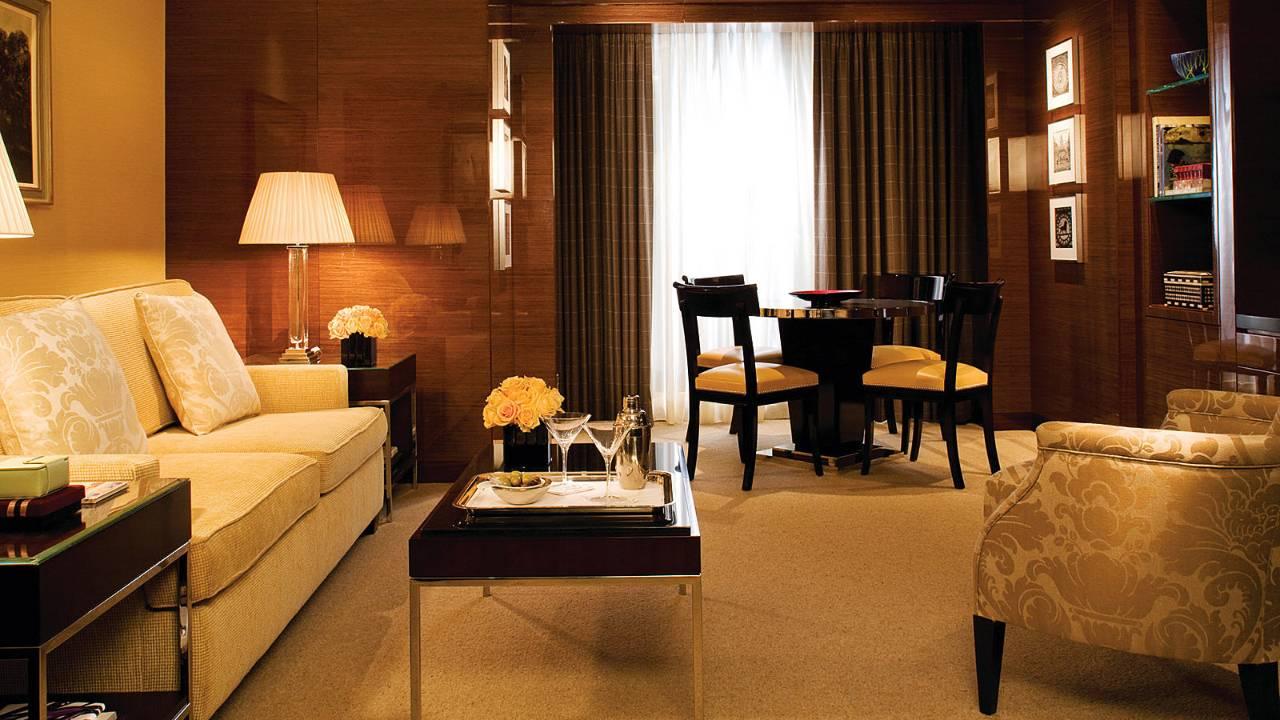 Ambassador Suite   75sqm+