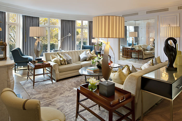 london-suites-royal-suite-living-1