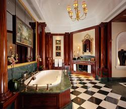 Royal Suite Master Bathroom