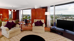 Penthouse Suite | 93-155sq