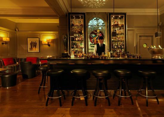 the-donovan-bar-at-brown