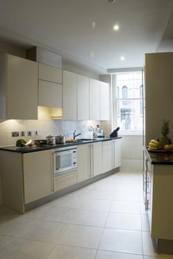 Kings Suites - Kitchen