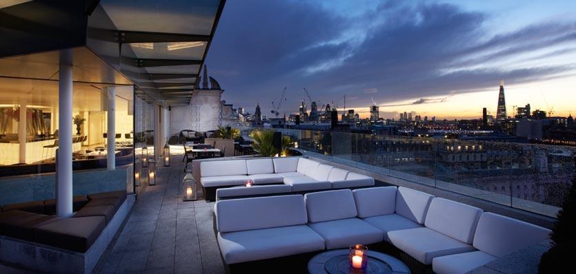 Radio Rooftop Bar and Restaurant