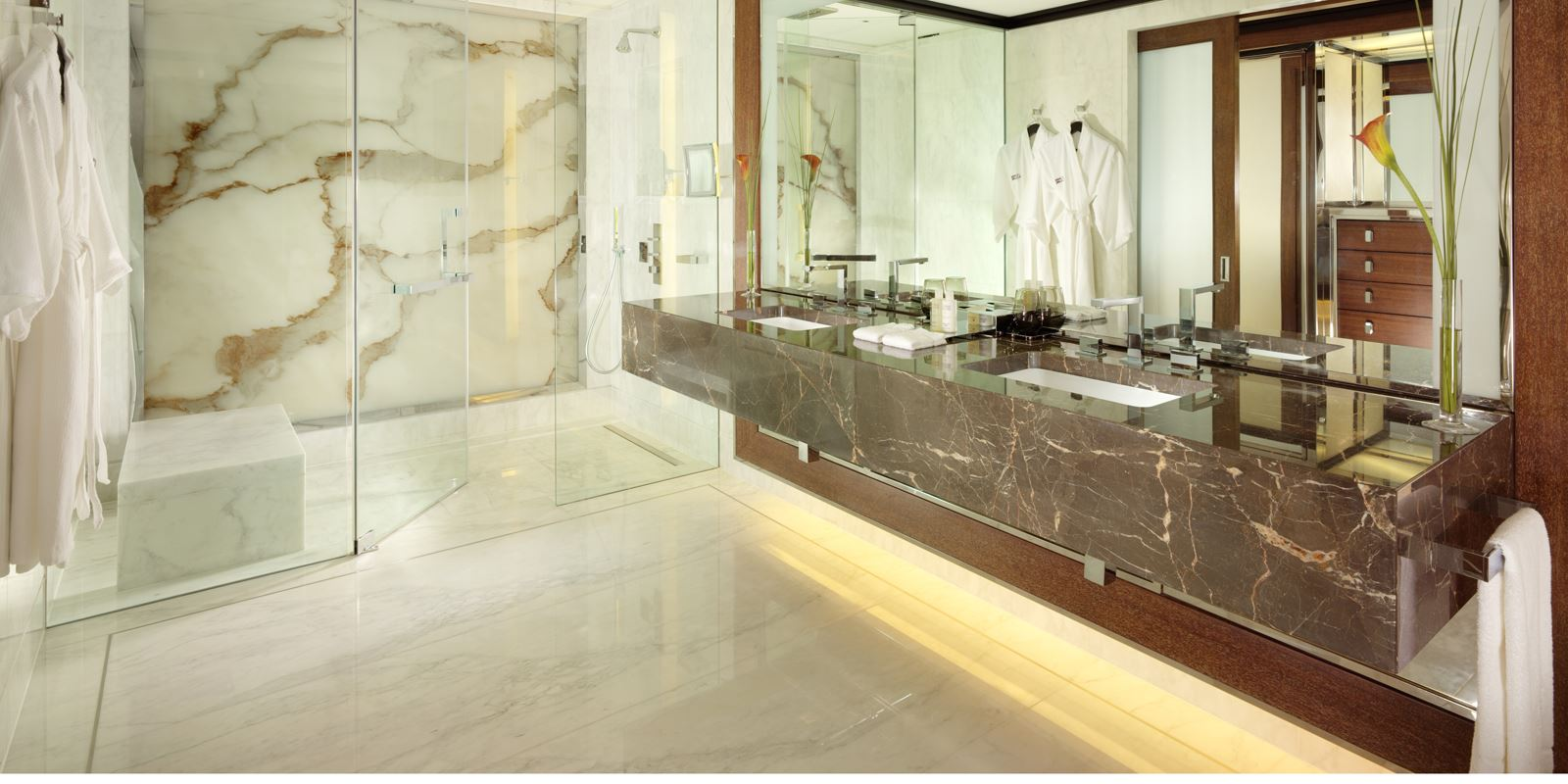 penthouse-luxury-master-bathroom-45-park-lane_2