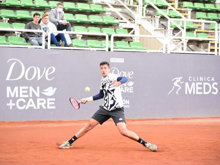 Tomás Barrios supera con creces a Diego Fernández y se instala en Cuartos de Final en Santiago 3