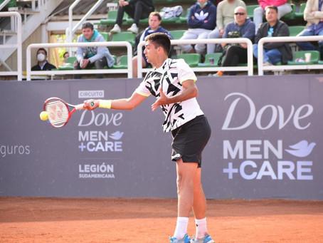 Tomás Barrios gana en su debut en Santiago 3 y en la siguiente ronda habrá duelo de chilenos