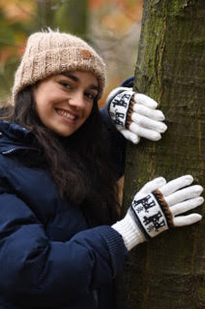 White 100% alpaca fibre hand knitted gloves