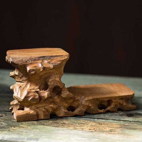 Ξύλινο μασίφ σκαλιστό stand