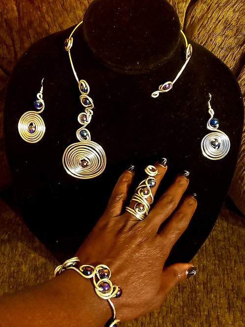 Traditional Swirl Necklace Set