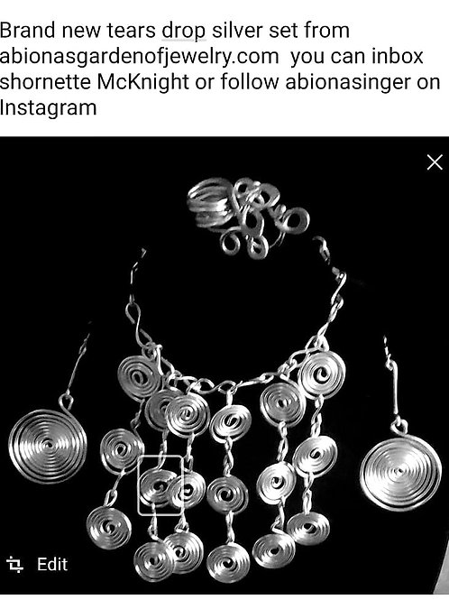 Tear Drop Necklace Set