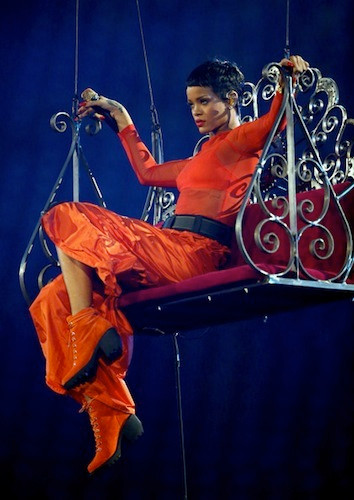 Rihanna-2012-London-Paralympics-Closing-