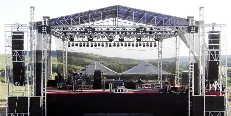 foto palco e estrutura