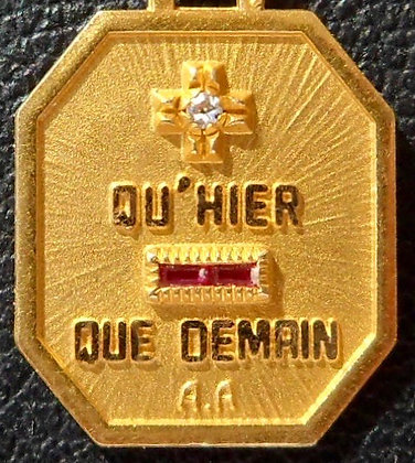 FRENCH '+ QU'HIER - QUE DEMAIN ' THE 60S CHARM PENDANT, SIGNED A.AUGIS
