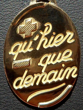 VINTAGE 'QU'HIER QUE DEMAIN ' THE 90'S CHARM PENDANT