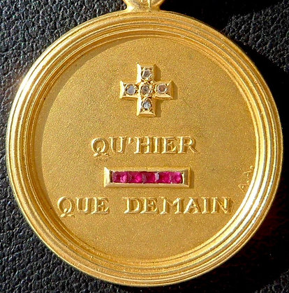 EXCEPTIONAL '+ QU'HIER - QUE DEMAIN ' THE 10'S CHARM PENDANT SIGNED A.AUGIS