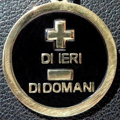 VINTAGE ITALIAN 'PUI DI EIRI MELO DI DOMA ' THE 90'S CHARM PENDANT.