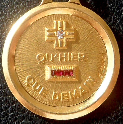 VINTAGE FRENCH '+ QU'HIER - QUE DEMAIN ' THE 60S CHARM PENDANT, SIGNED A.AUGIS