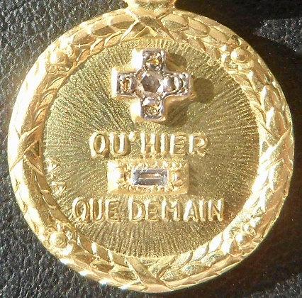 VINTAGE '+ QU'HIER - QUE DEMAIN ' THE 50'S CHARM PENDANT SIGNED A.AUGIS