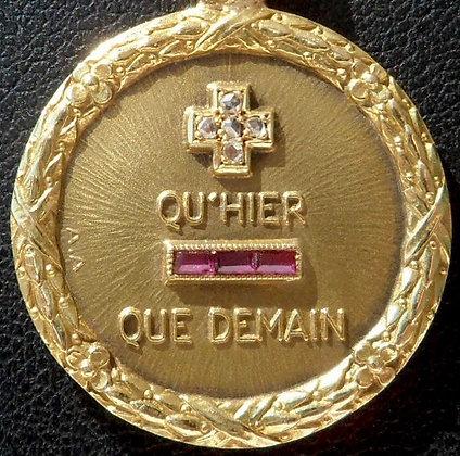 VINTAGE FRENCH '+ QU'HIER - QUE DEMAIN ' 30'S CHARM PENDANT AUGIS