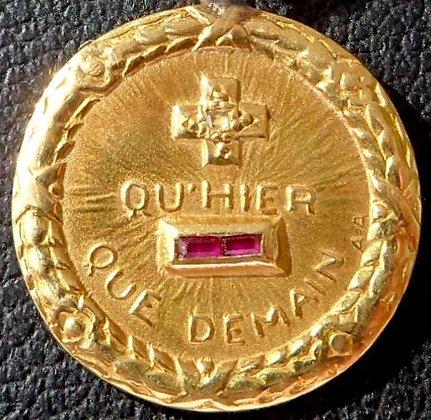 RARE VINTAGE FRENCH '+ QU'HIER - QUE DEMAIN ' 30'S CHARM PENDANT SIGNED A.AUGIS