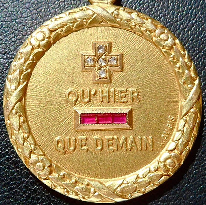 + QU'+ QU'HIER - QUE DEMAIN ' THE 40'S CHARM PENDANT SIGNED A.AUGIS