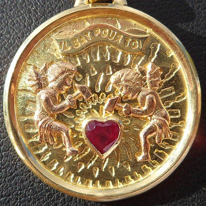 VINTAGE ' IL BAT POUR TOI ' THE 60'S CHARM PENDANT SIGNED.